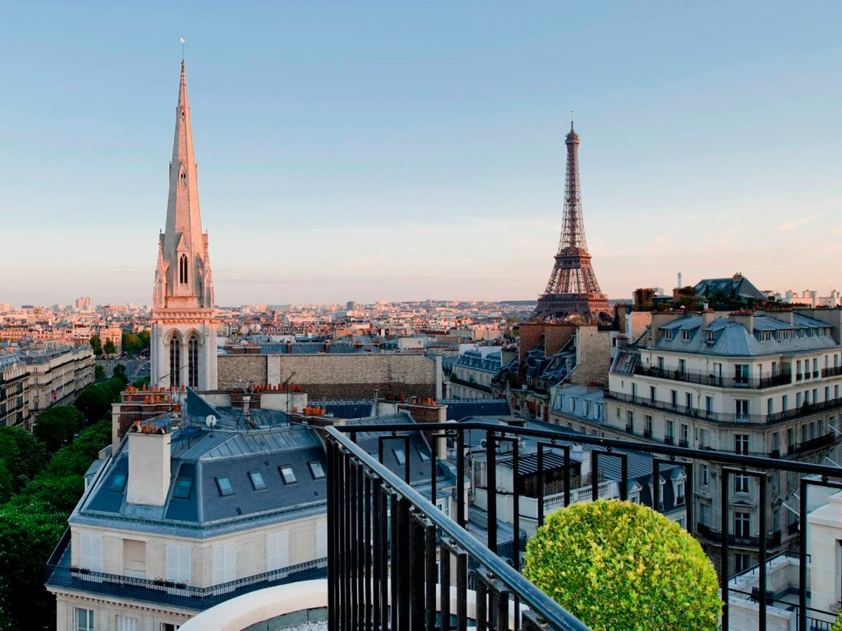 5-four-seasons-hotel-george-v-paris-france