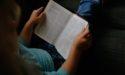 Týchto 6 vecí sa ti stane, keď si začneš večer pred spaním čítať