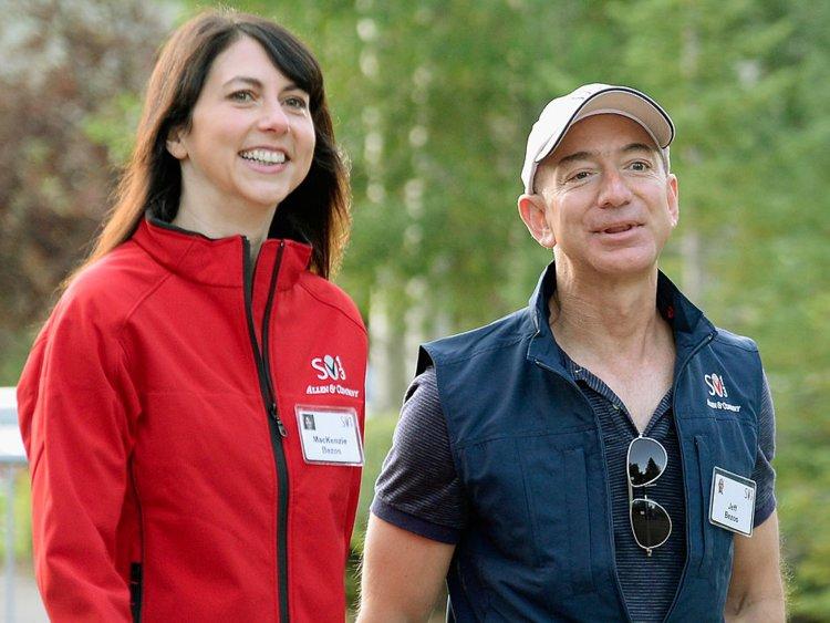 Jeff Bezos so svojou ženou
