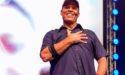 Tony Robbins zdieľa svoj 10-minútový ranný rituál, ktorým zmeníte svoj deň k lepšiemu